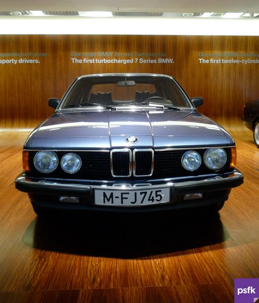bmw_museum_9_big.jpg
