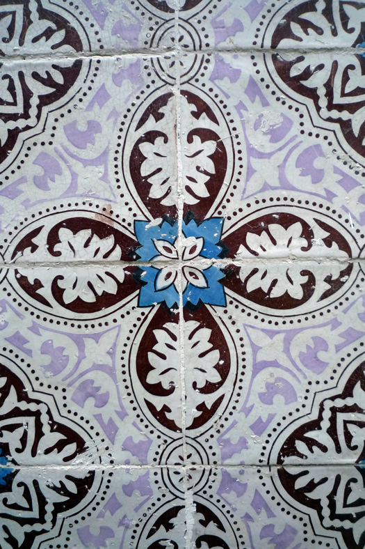 lisbon-tiles3.jpg