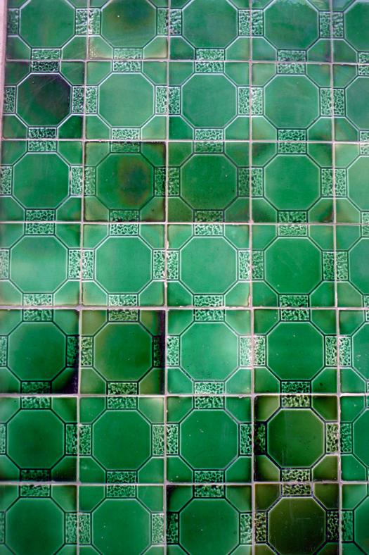lisbon-tiles5.jpg