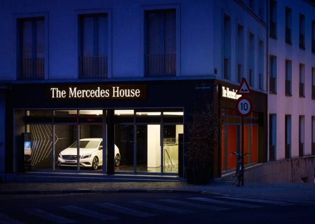 Luxury Eatery Showcases The Mercedes Brand Experience [Pics]
