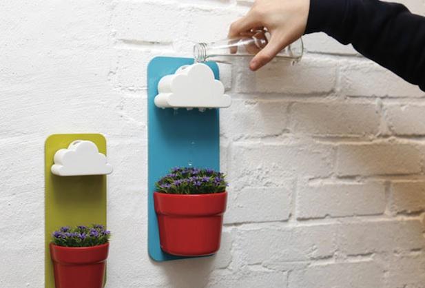 Pots Mimic Rainfall To Properly Hydrate Plants |