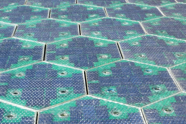 Solar-Roadways-panels-1.jpg
