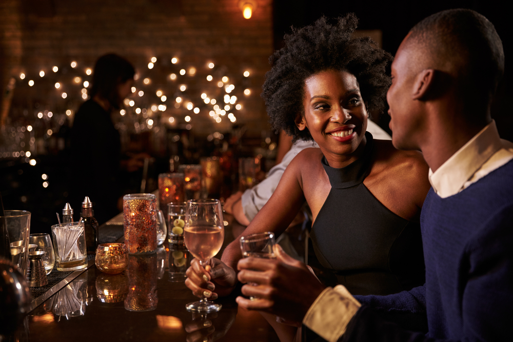 Bar Provides An Exit Strategy For Patrons On Bad Dates-2725