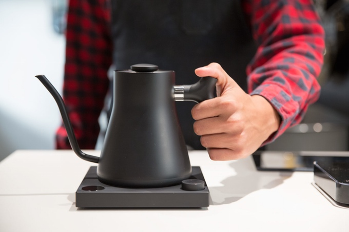 App-Controlled Kettle Guides Brewers To Perfect Cup Of Coffee