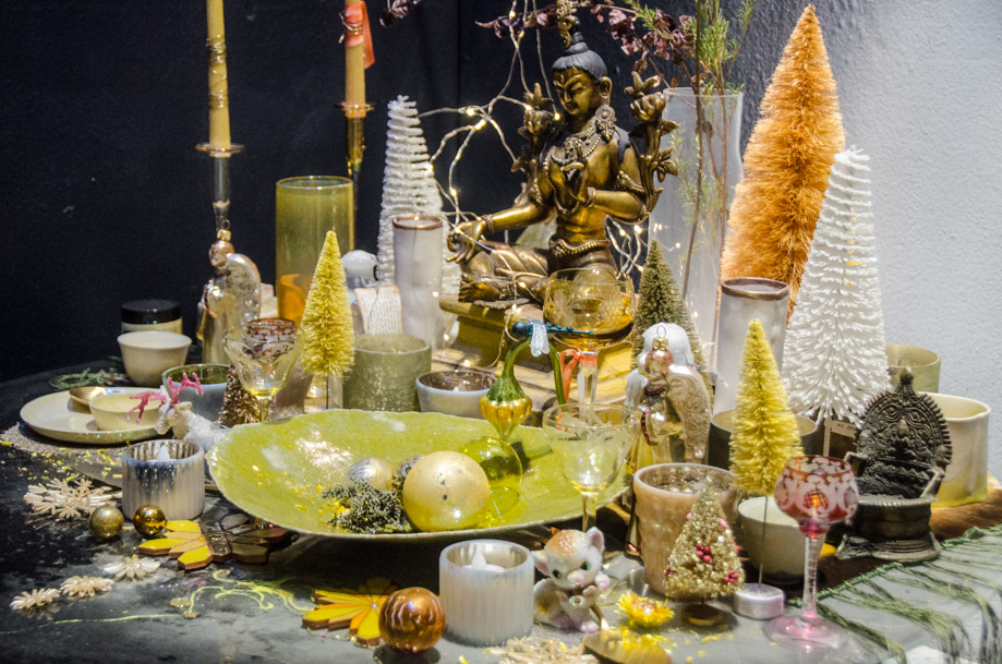 ABC_Carpet_and_Home_holiday_2016_window_nyc05.jpg
