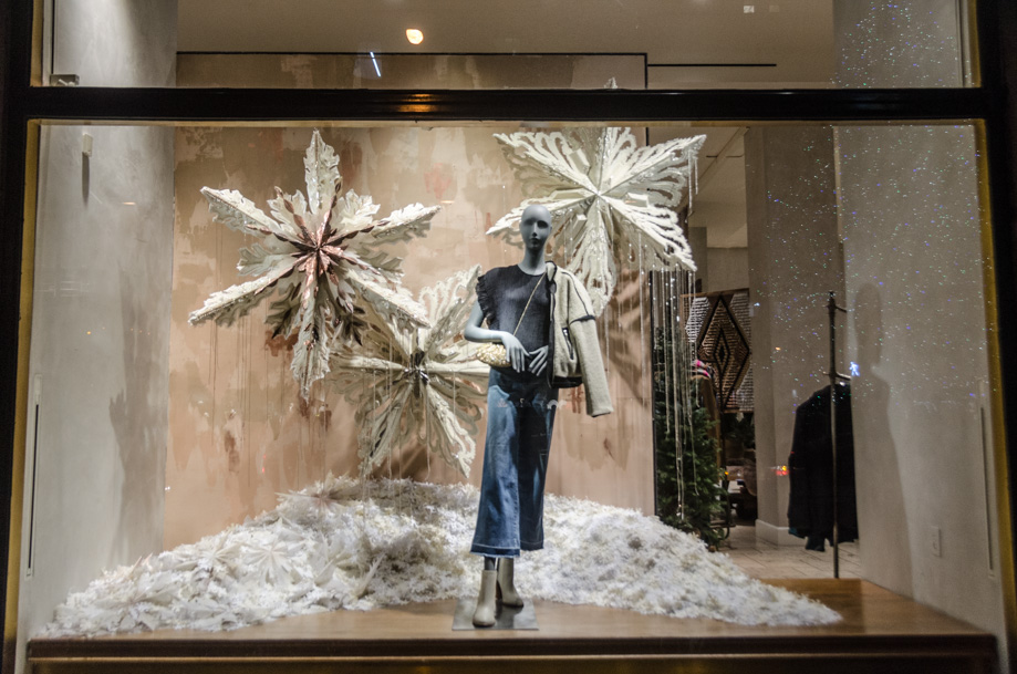 Anthropologie_holiday_2016_window_nyc08.jpg