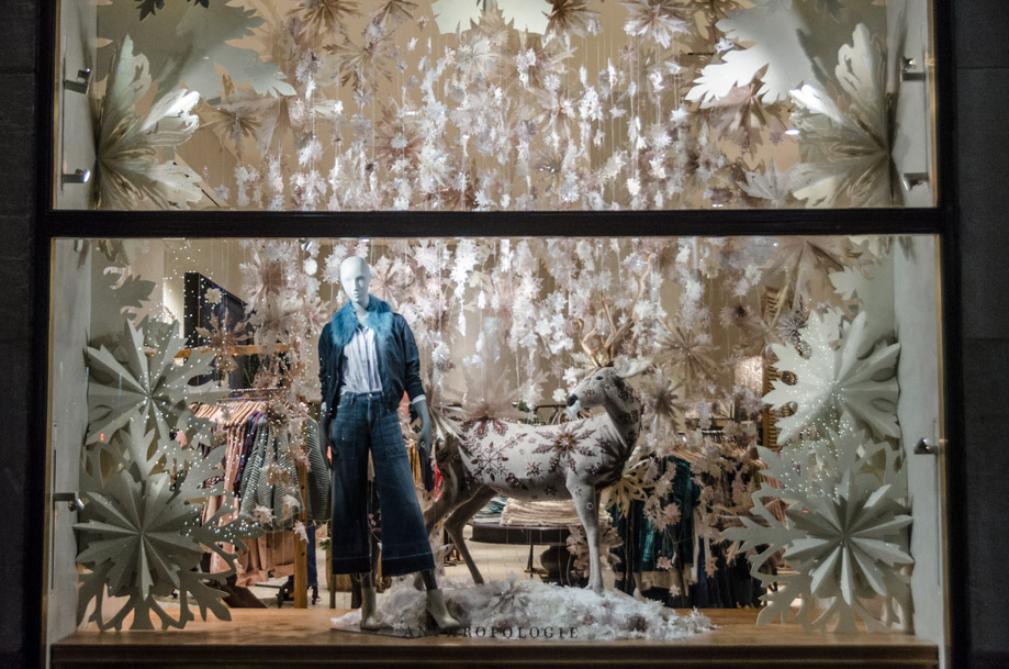 Anthropologie_holiday_2016_window_nyc09.jpg