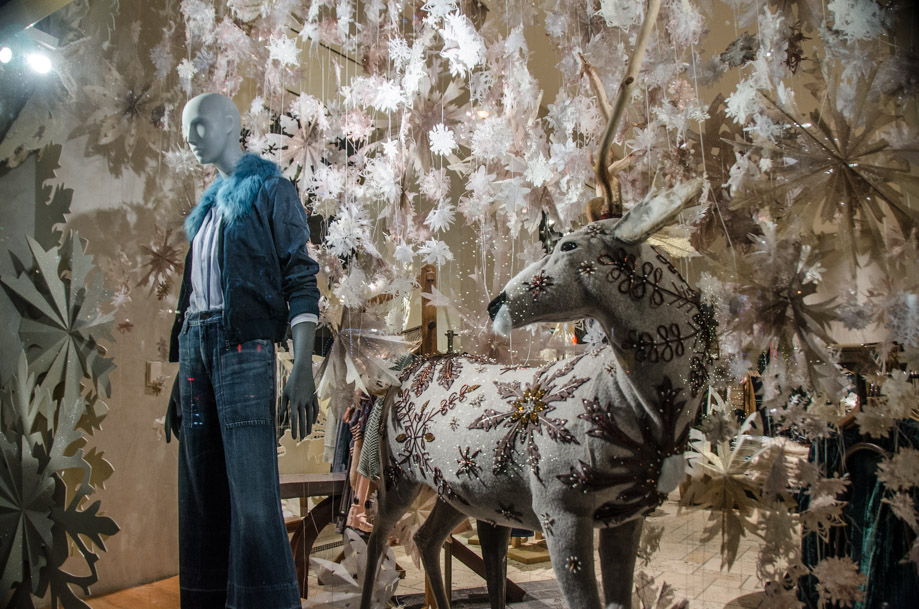 Anthropologie_holiday_2016_window_nyc10.jpg