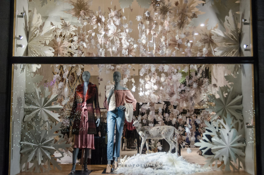 Anthropologie_holiday_2016_window_nyc11.jpg