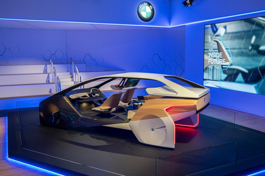 BMW_i_inside_future_sculpture_ces_2017_2.jpg