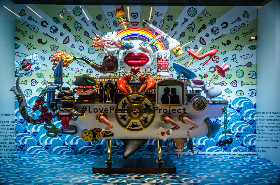 Barneys_holiday_2016_window_nyc5.jpg