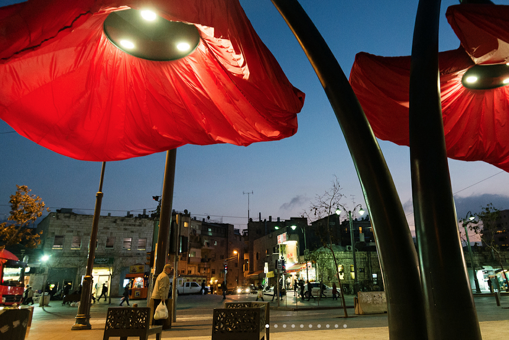 Giant Streetlight Flowers Bloom In Response To Pedestrians