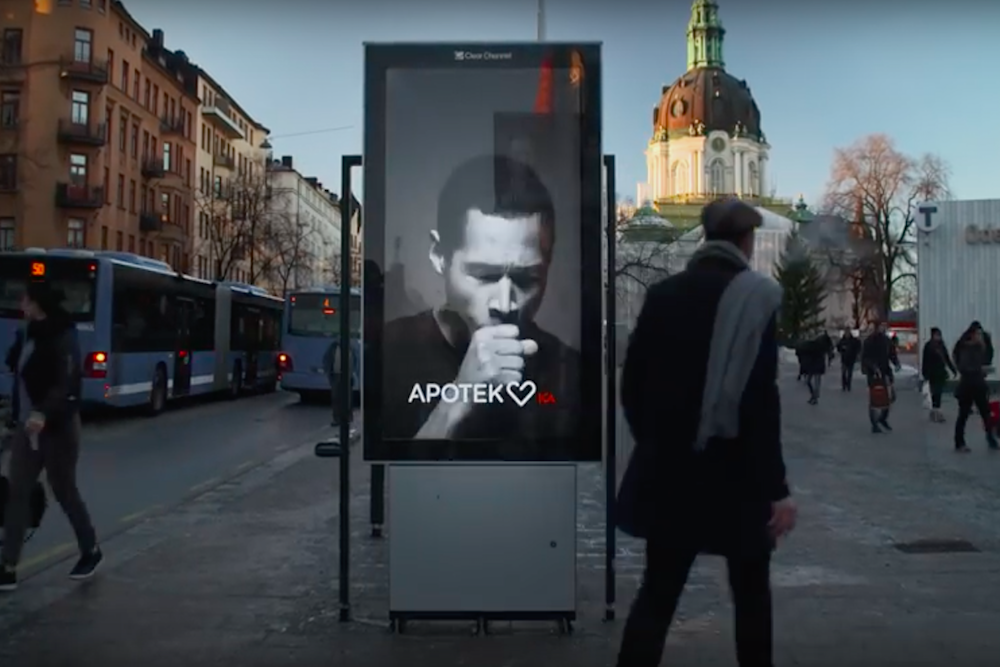 Anti-Smoking Billboard Reacts When Smokers Walk By