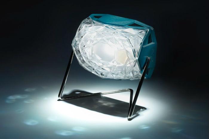 olafur-eliasson-little-sun-diamond-design-indaba-ledlamp-solar.jpg