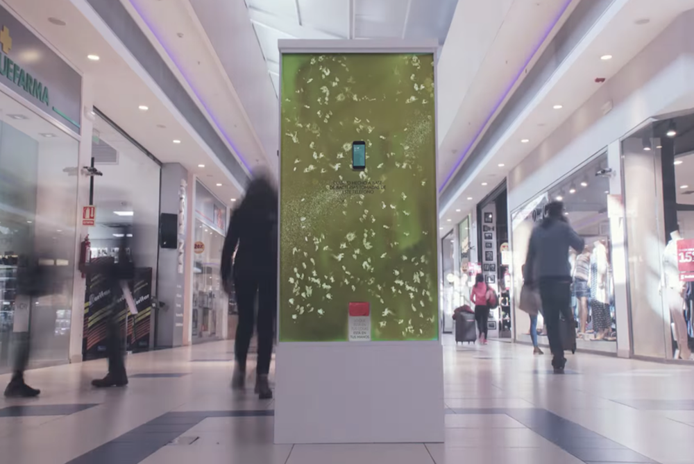Creative Advertisement Crafted From Bacteria-Filled Petri Dishes