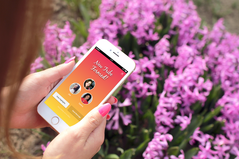 This Friend-Finding App Wants To Make It Easier To Meet Platonic Pals