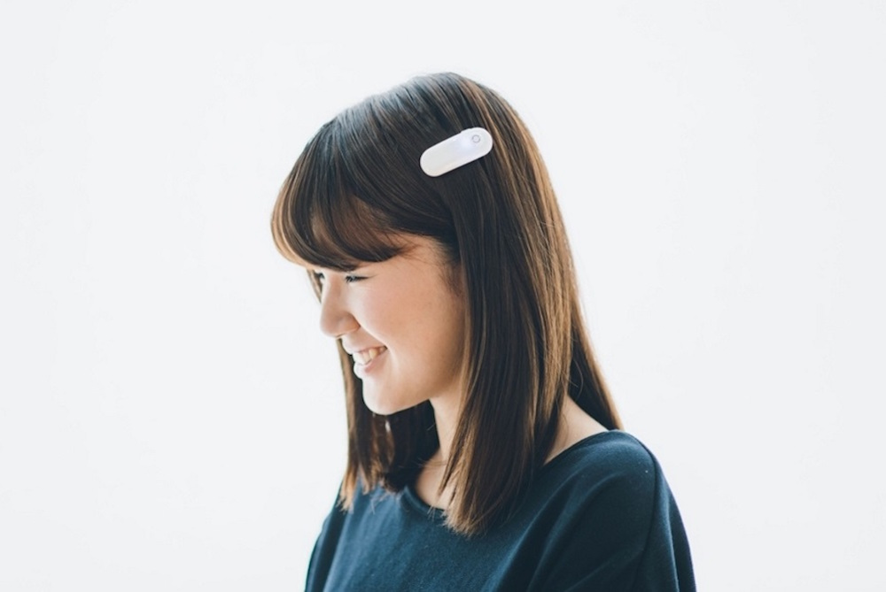 Hair Clip Lets Deaf People Sense Sound