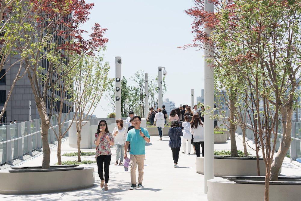 Why Seoul's Garden Bridge Is A Success In Urban Planning