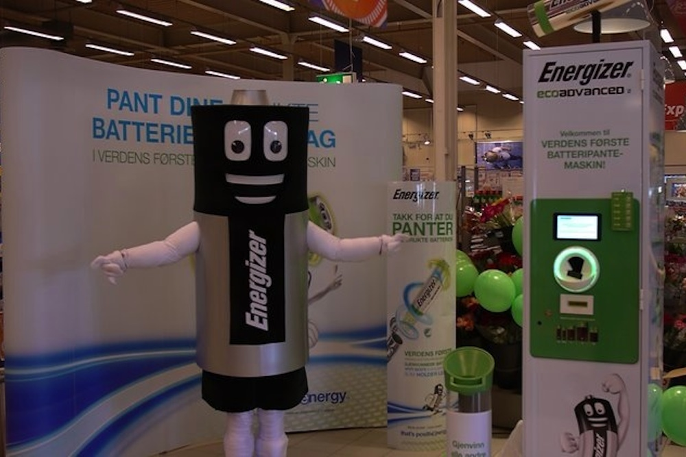 Reverse Vending Machine Pays Money For Old Batteries