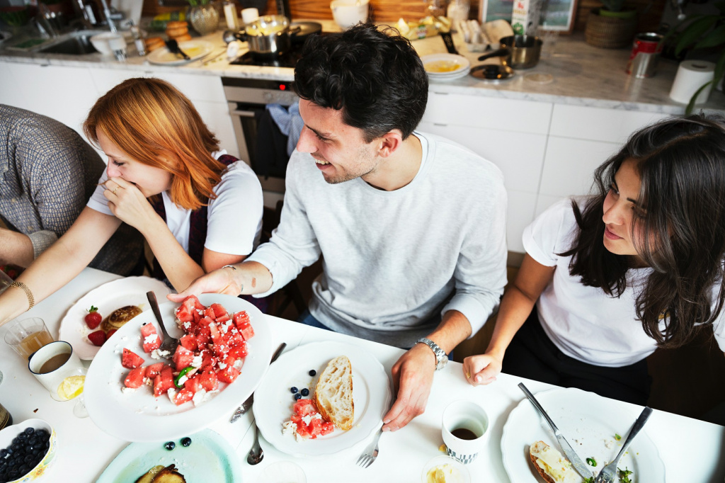Strangers' Kitchens Play Host To Pop-Up Dinners