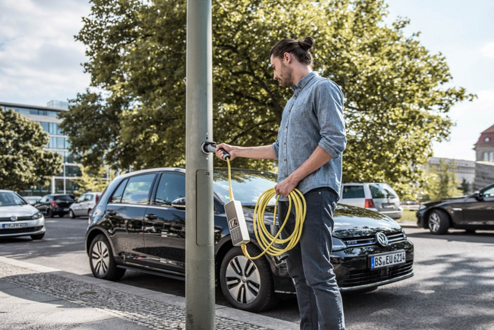 Street Lamps Could Soon Also Charge Electric Cars In London