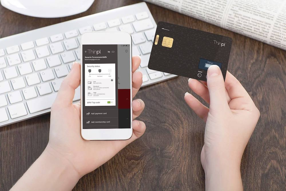 Ditch Your Wallet For This Single Universal Card