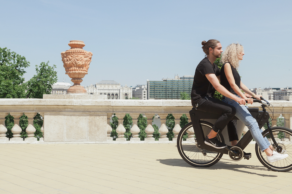 Two-Seater Bicycle Is Designed For All Of Your City Adventures