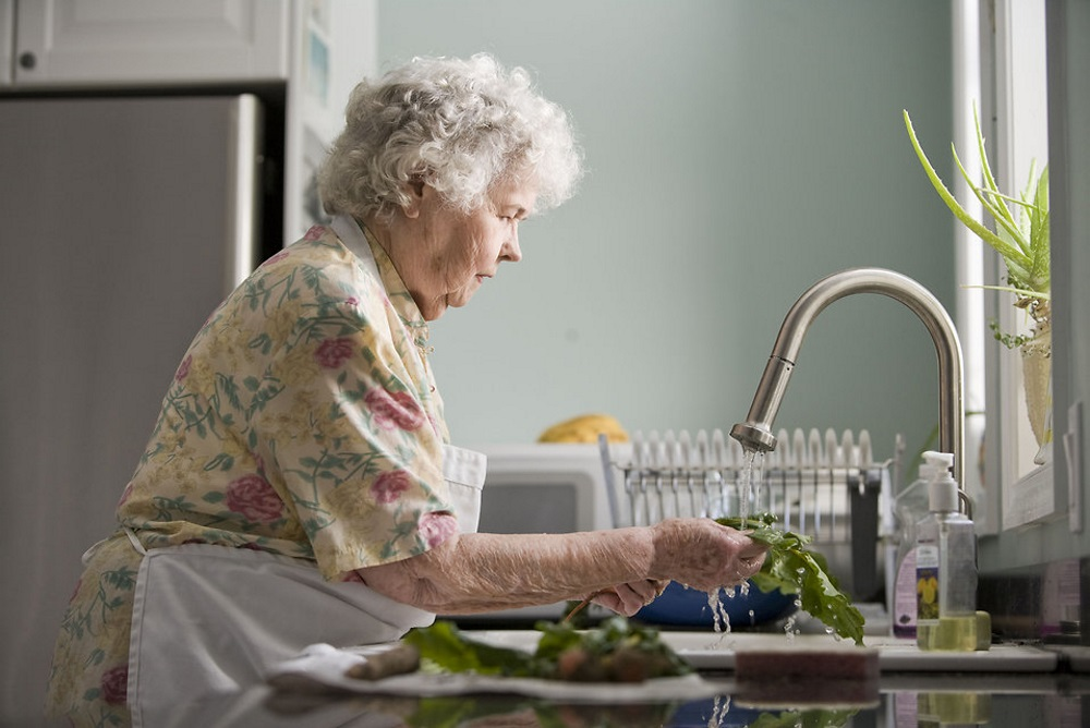 Best Buy's 'Smart Home' Service Helps Caretakers Monitor Seniors Living Alone