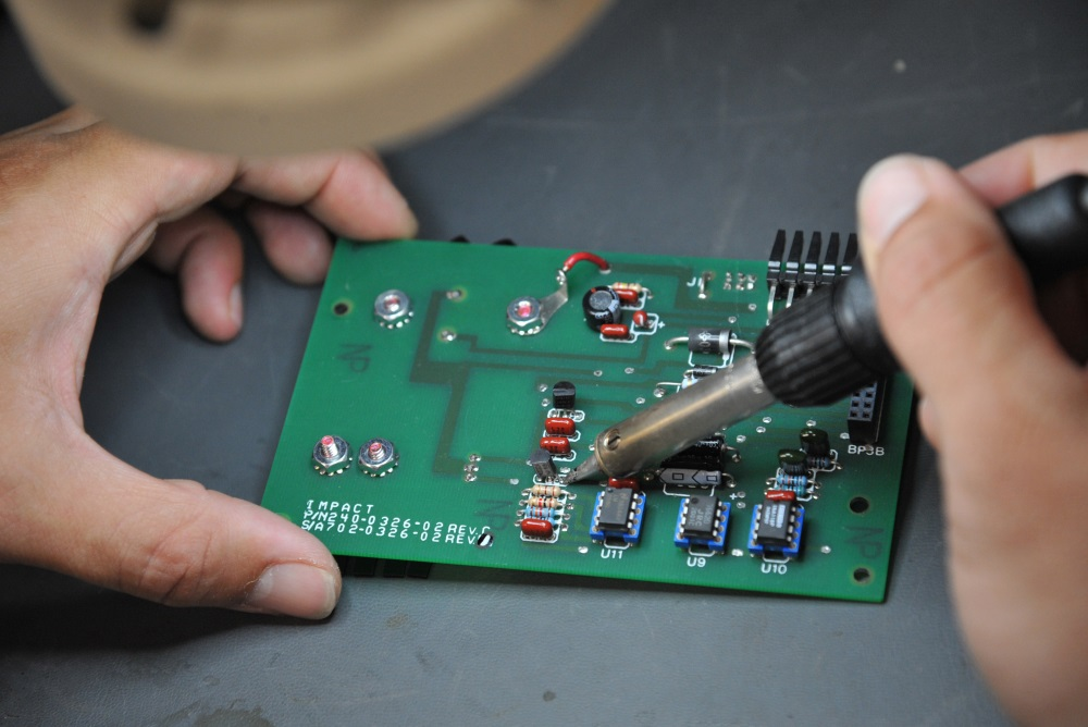 Circuito.io Makes It Easy To Build Your Own Electronic Circuits