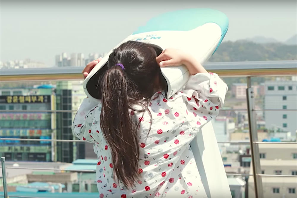 KLM's VR Experience Helps Hospitalized Children Experience Travel