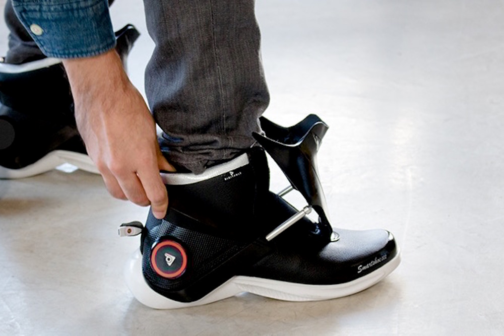 Sneakers Self-Tighten Their Laces And Adjust Temperature
