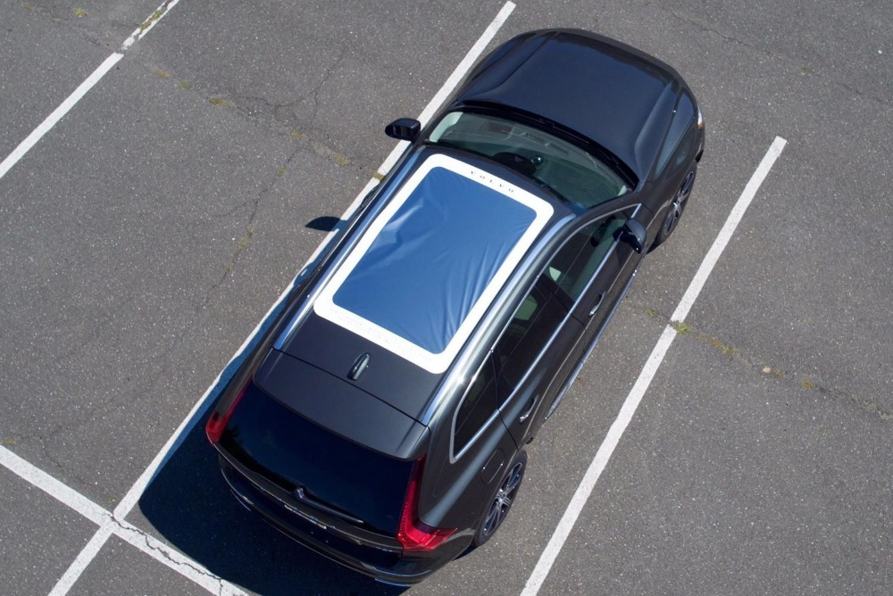 Volvo Gave Out Free Eclipse Shades For The XC60's Moonroof