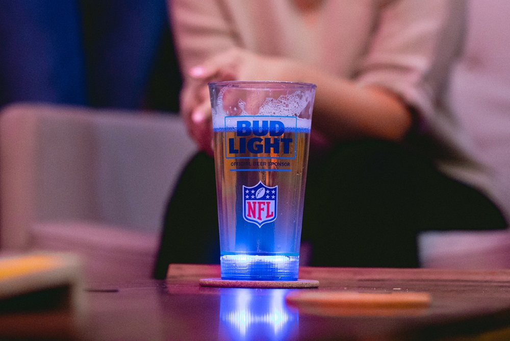 These NFL Beer Glasses Light Up After A Touchdown