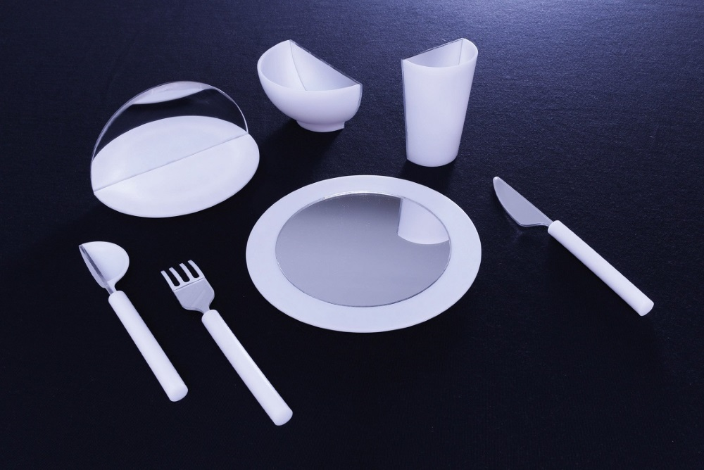 This Mirrored Tableware Could Trick Your Brain Into Changing Your Eating Habits
