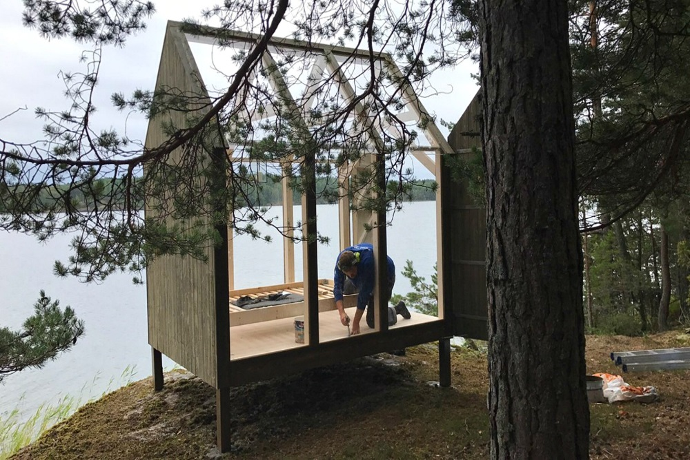 These Glass 'Chillout Cabins' Help Stressed Out People Get Closer To Nature