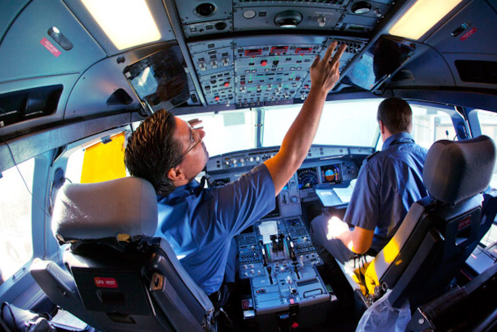 JetBlue Program Turns Normal People Into Pilots