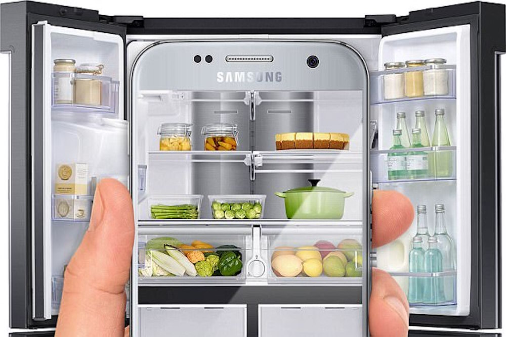 """Refrigerator Sends """"Shelfies"""" So You Never Need Another Grocery List"""