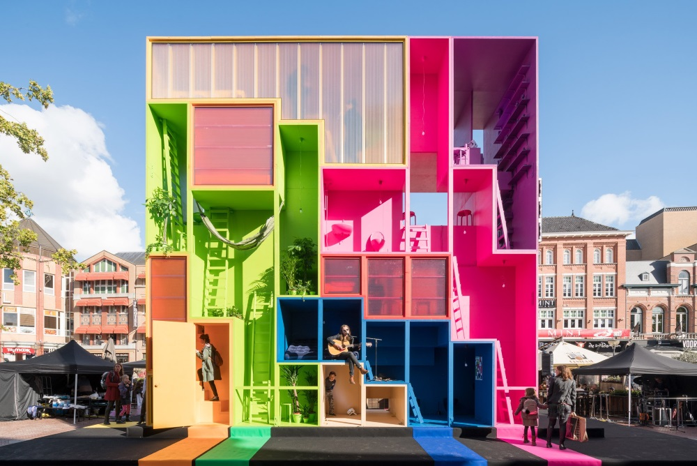 Reconfigurable Hotel Can Adapt To The Needs Of The City Around It
