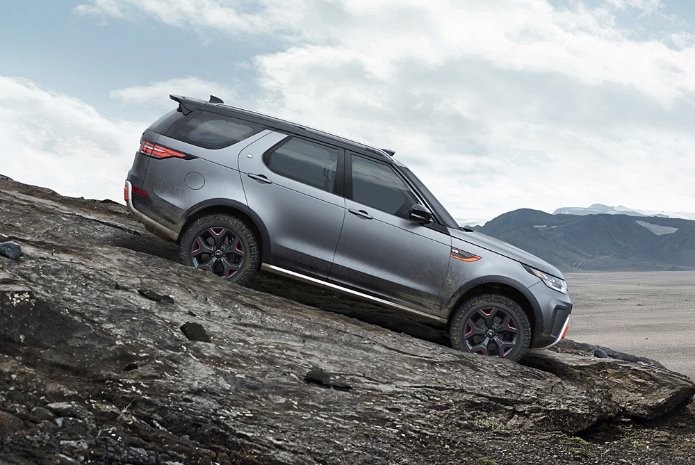 Land Rover Lets Customers Test Drive Its Cars In Rugged Terrains