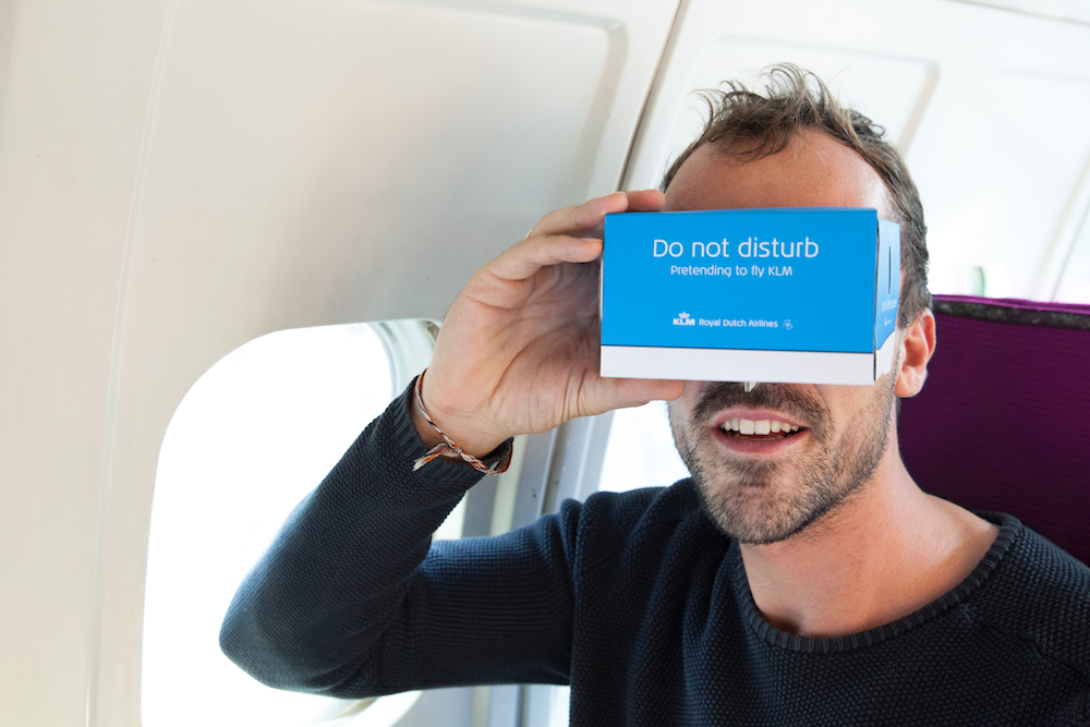 KLM Gives VR Headsets To Passengers On Other Airlines