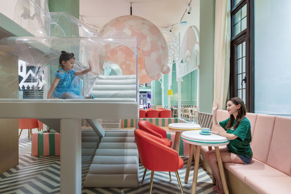 Shanghai Restaurant Has A Built-In Amusement Park For Kids