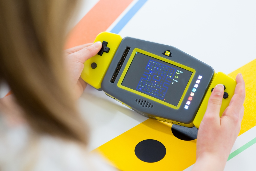Handheld Programming Device Lets You Invent Apps And Games