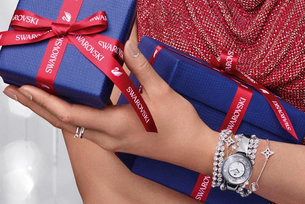 Swarovski's Sparkle Pop-Up Lets Shoppers Try On Virtual Jewelry