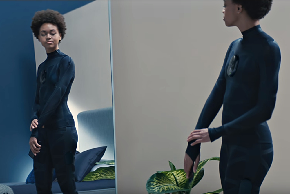 Futuristic 'Fitting Room' Captures 15,000 Measurements To Create Perfect Bespoke Clothing