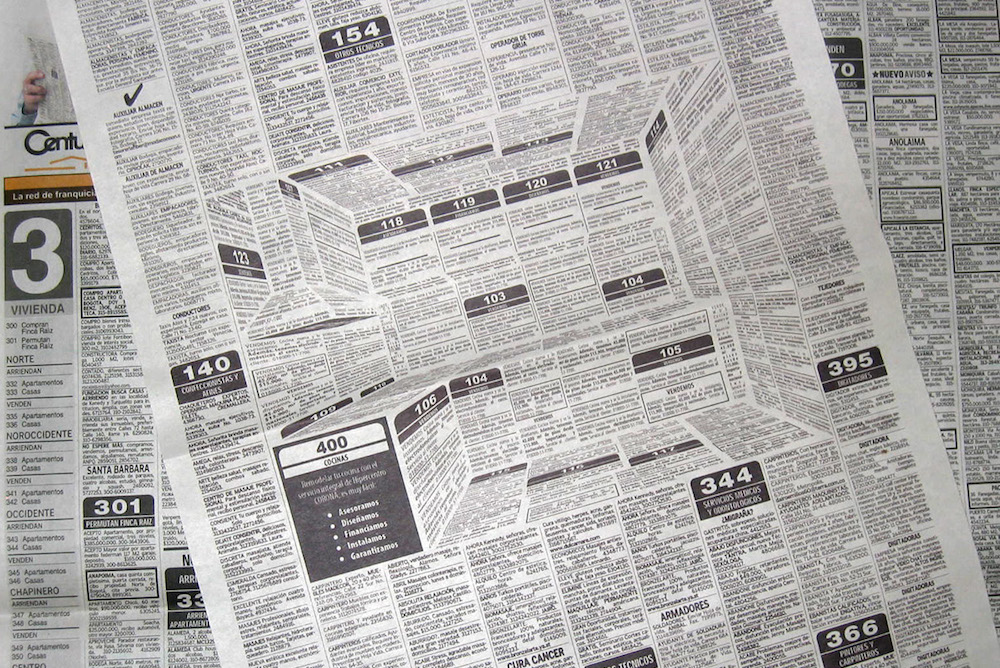 This Old-School Newspaper Ad Reveals A 3D Picture