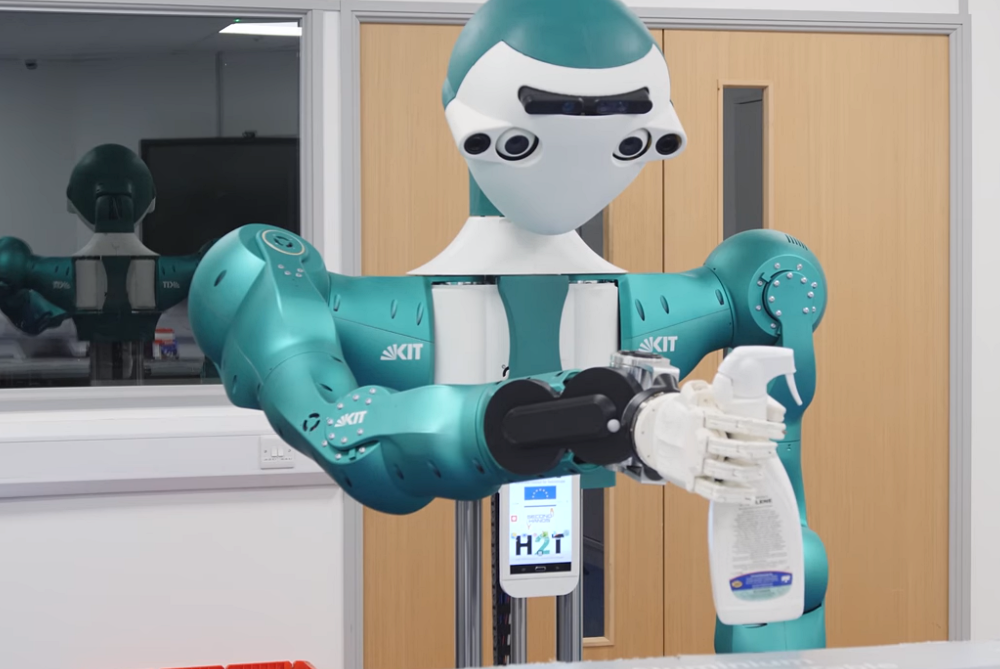 Robotic Assistant Hands Workers Tools Exactly When They Need Them