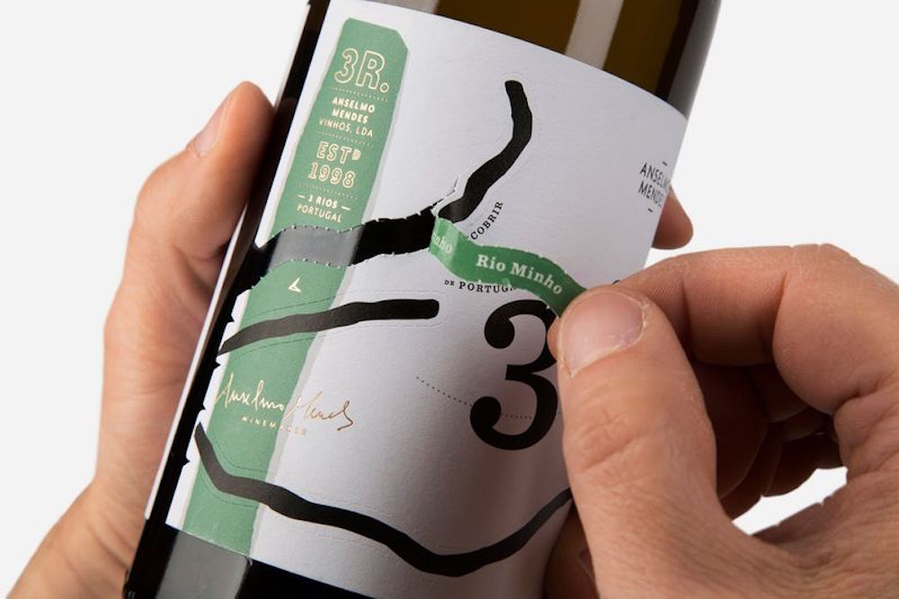 Peel-Off Labels Reveal The Story Behind This Wine