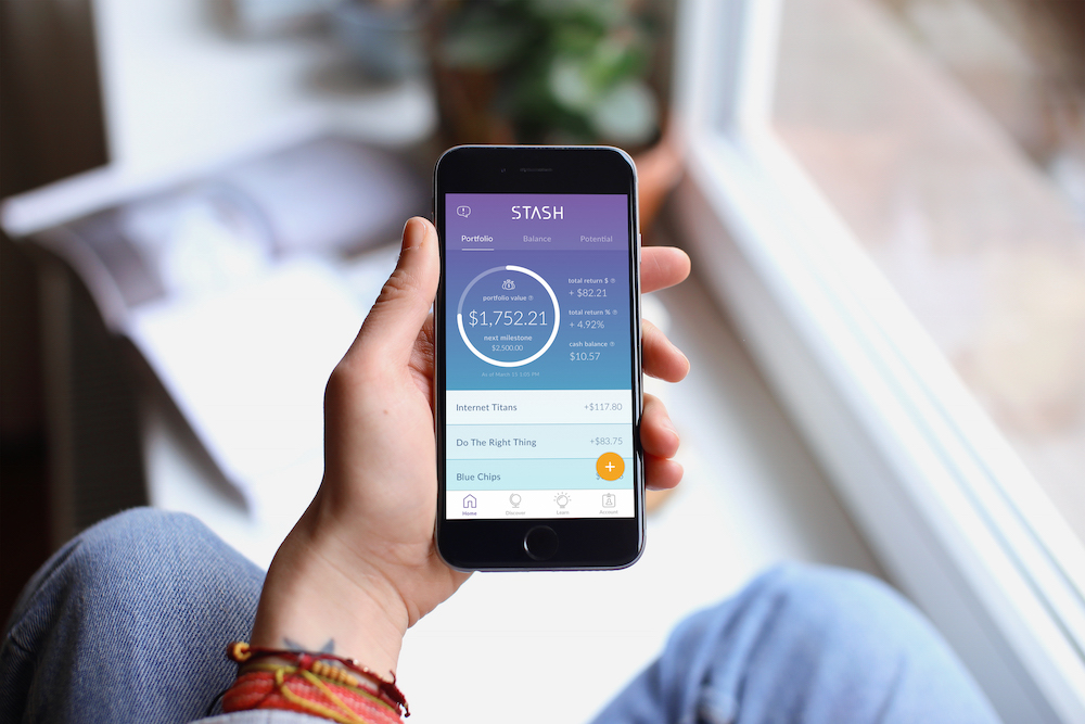 Portable Personal Investment Assistant Helps Millennials Save Wisely