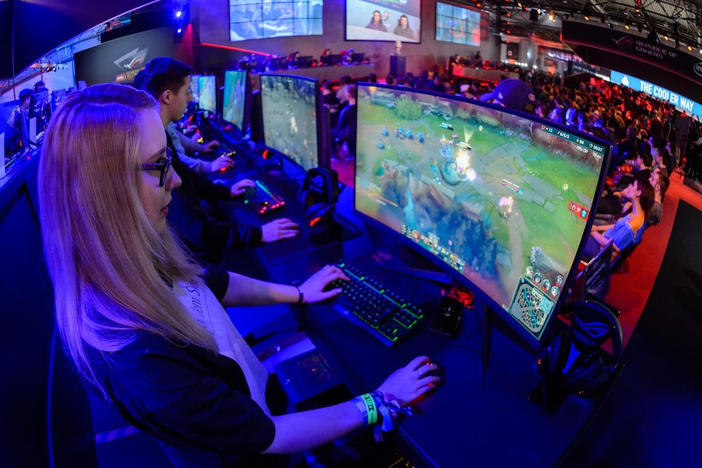 Sportswear Stores Create Space For Customers To Play eSports