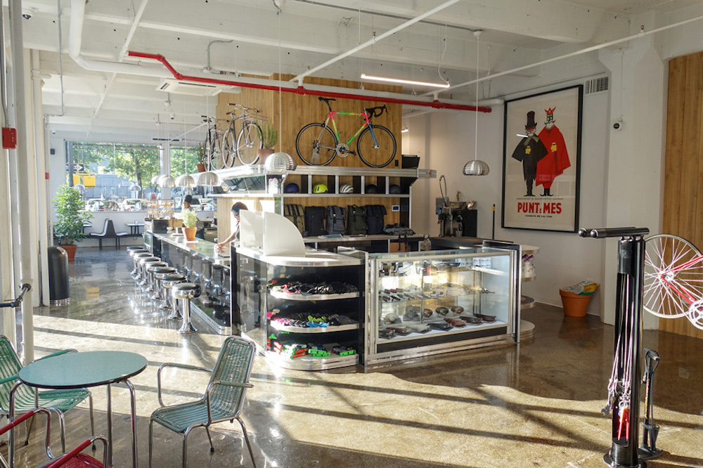 Brooklyn Cafe Includes Service Area For DIY Bicycle Repairs